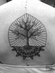 Tatouage Arbre de vie Tattoo - La Rochelle - Rochefort Niko Bushman