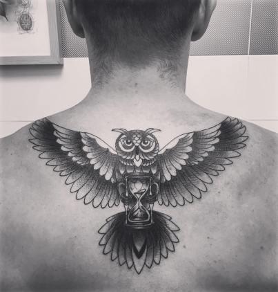 tatouage hibou - La Rochelle - Niko Bushman