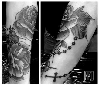 La Rochelle - Rochefort Niko Bushman Rose tattoo, black tattoo, ROSES ET CHAPELET